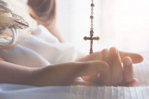 Натільний хрестик: 10 речей, які не можна робити із священним атрибутом