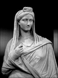 ГЛАДІАТОРИ-ЖІНКИ В СТАРОДАВНЬОМУ РИМІ